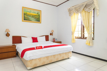 RedDoorz @ Hotel Damanaka Pangalengan Bandung - RedDoorz Suite Room Gajian