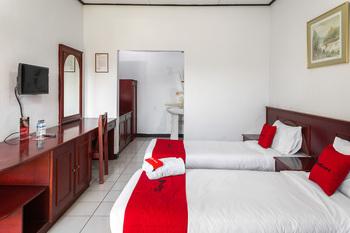 RedDoorz @ Hotel Damanaka Pangalengan Bandung - RedDoorz Twin Room Gajian