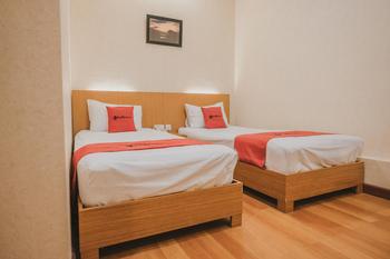 RedDoorz Plus @ Simpang Gelael Batam Batam - RedDoorz Twin Room Basic Deal - 5% Disc.