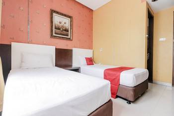 RedDoorz near Pasar Pagi Cirebon Cirebon - RedDoorz Twin Room with Breakfast Regular Plan