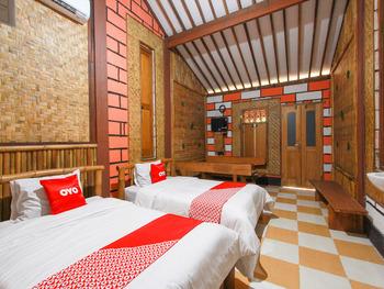 OYO 1725 Banyu Asem Residence Banyuwangi - Deluxe Twin Room Regular Plan
