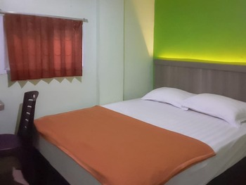 Guest House Anak Raja Pangkalan Bun Syariah by RedDoorz Kotawaringin Barat - Standard Room AntiBoros