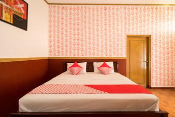 OYO 211 Seruni Guest House Bandung - Deluxe Double Room Regular Plan
