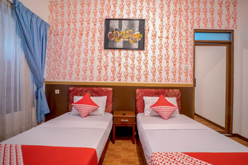 OYO 211 Seruni Guest House Bandung - Standard Twin Room Regular Plan