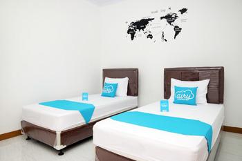 Airy Syariah Raya Inpres Kramat Jati Jakarta Jakarta - Superior Twin Room Only Special Promo Sep 45