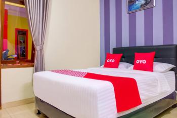 OYO 3418 Penginapan May Lindon Syariah Cianjur - Deluxe Double Room Promotion