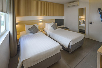 Malaka Hotel Bandung - Superior Japanese Twin Bed Non Smoking  Promo Gajian