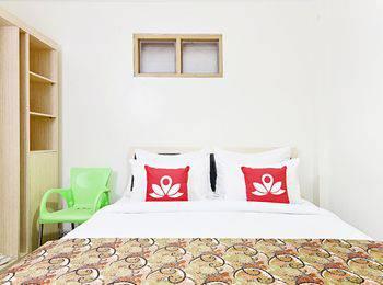 ZenRooms Cibogo Pasteur - Double Room With Breakfast Special Promo