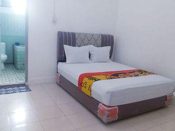 Hotel Asoka Padang Syariah Padang - Economy Room Regular Plan