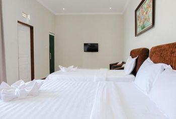 Omah Londo Hotel & Luxury Resort Malang - Suite Triple Room Only Regular Plan