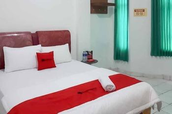 RedDoorz near Lampung Walk 2 Bandar Lampung - RedDoorz Room SPECIAL DEALS