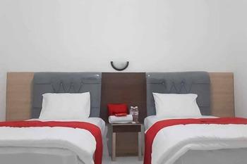 RedDoorz near Lampung Walk 2 Bandar Lampung - RedDoorz Twin Room SPECIAL DEALS