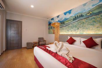 Kaloka Airport Hotel Sumbawa - Junior Suite( B'fast + Airport Shuttle) Regular Plan