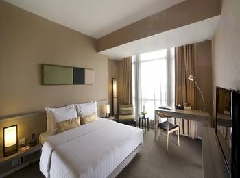 Grand Zuri  Jababeka - Superior Room with Breakfast and Free Mini Bar Regular Plan