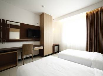 Hotel Harmoni Tasikmalaya - Deluxe Twin Room With Breakfast Regular Plan