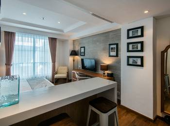 Yan's House Hotel Kuta - Deluxe Room The Vintage Groove Last Minute Offer