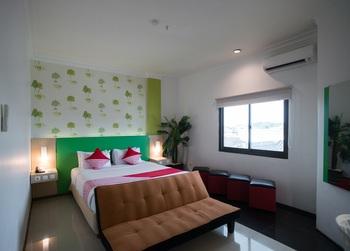 Capital O 949 Royal Park Hotel Samarinda - Suite Double Regular Plan