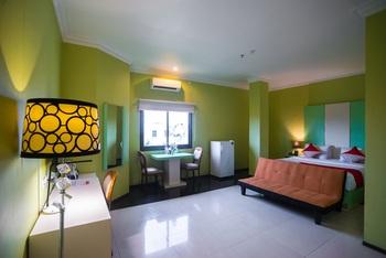 Capital O 949 Royal Park Hotel Samarinda - Suite Family Regular Plan