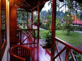 Kalibaru Cottages Banyuwangi - Deluxe Triple Room Regular Plan