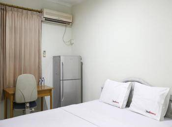 RedDoorz near WTC Sudirman Jakarta - Reddoorz Room Regular Plan