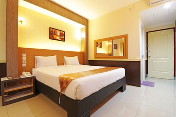 Hotel Golden Sari Makassar - Deluxe Room Basic Deal