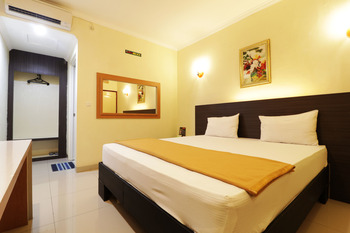 Hotel Golden Sari Makassar - Superior Room Min Stay 2N