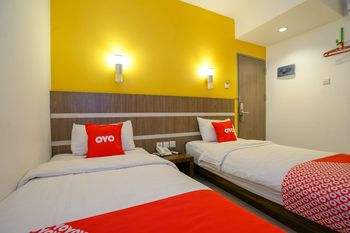OYO 1727 Hotel 929 Lubuklinggau - Standard Twin Room Regular Plan