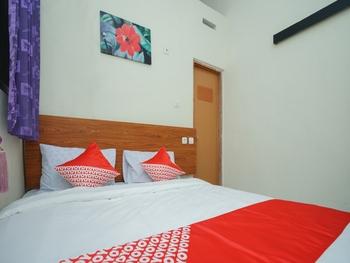 OYO 2525 Rumah Singgah Brm Probolinggo - Standard Double Room Regular Plan