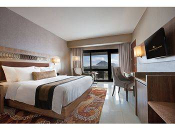 Royal Ambarrukmo Yogyakarta - Premiere Double or Twin Breakfast Non Refundable CF Regular Plan