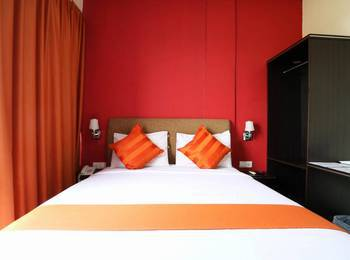 Blitz Hotel Batam - Deluxe Room Only Minimum Stay 2Nights