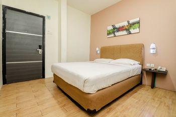 Blitz Hotel Tj Uncang Batam - Superior Room Only Big Deals