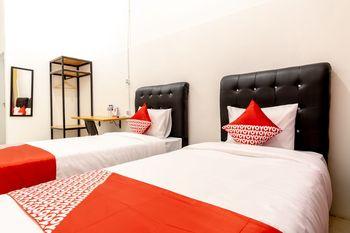 OYO 1400 Barat Residence Medan - Standard Twin Room Regular Plan