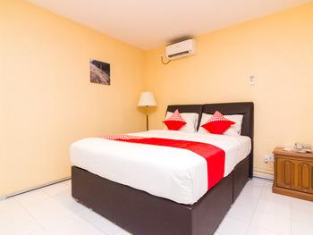 OYO 1771 Zeke Hotel Batam - Deluxe Double Room Regular Plan