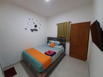 Nusalink Kurnia Near Sawah Besar Jakarta - Standard Double Room KETUPAT