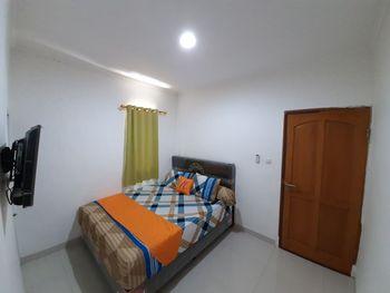 Nusalink Kurnia Near Sawah Besar Jakarta - Deluxe Double Room KETUPAT