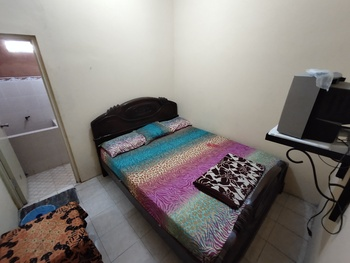 Penginapan Roro Mendut Magelang - Family AC Private Bathroom TV Room Only NR Special Deal