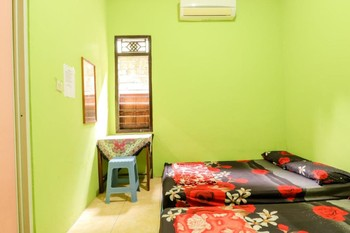 Penginapan Roro Mendut Magelang - Group AC Private Bathroom TV Room Only NR Special Deal