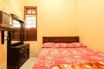 Penginapan Roro Mendut Magelang - Standard Fan Private Bathroom TV Room Only NR Special Deal