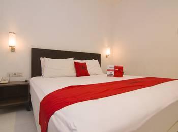 RedDoorz Plus near Universitas Diponegoro Semarang - RedDoorz Room Regular Plan