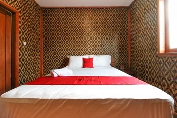RedDoorz Plus near Pojok Beteng 2 Yogyakarta - RedDoorz Room Last Minute Deal