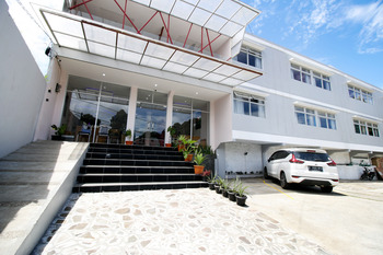 Sky Hotel Aurora 1 Lembang