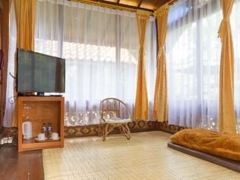 RedDoorz near Kampung Gajah 2 Bandung - RedDoorz Family Room with Breakfast Regular Plan