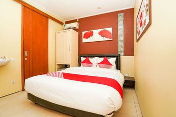OYO 216 Elinoki Guest House Surabaya - Standard Double Room Regular Plan