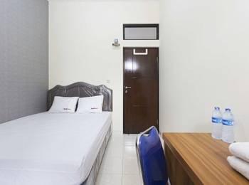 RedDoorz @Raya Kelapa Gading Jakarta - RedDoorz Room Special Promo Gajian