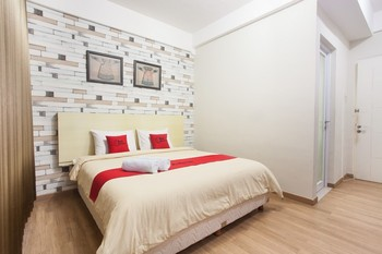 RedDoorz Plus @ Riverside Malang Malang - RedDoorz Room with Breakfast  Regular Plan