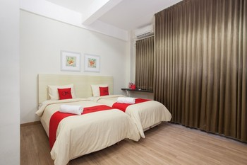 RedDoorz Plus @ Riverside Malang Malang - RedDoorz Room Basic Deal