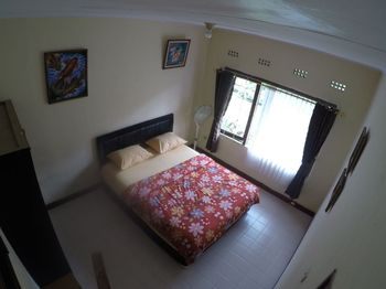 Villa Shinta Managed by Bubupoint Bogor - Standard Room (2 bedroom - 2 Bathroom) Jabodetabek Deals