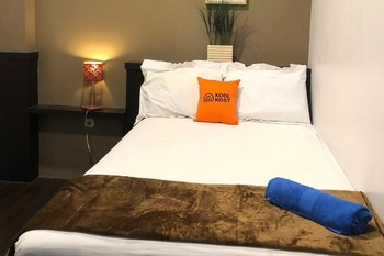 KoolKost Syariah near Tunjungan Plaza 2 Surabaya - KoolKost Standard Room Sharing Bathroom Minimum Stay Promotion