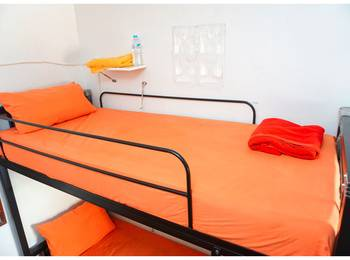 Budi House & Food Station Bandung - Dormitory Male - Sharing Bathroom Regular Plan