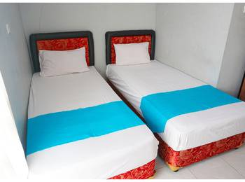 Budi House & Food Station Bandung - Deluxe Room - Twin Bed Regular Plan